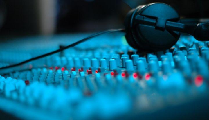 Bibel og Crew –  Lyd-/lysproduksjon